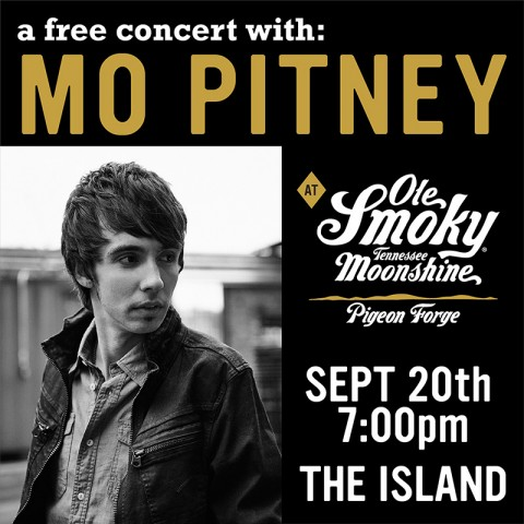 Mo Pitney LIVE at The Island in Pigeon Forge