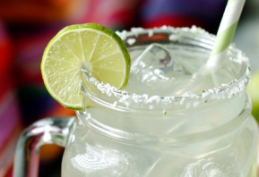 TAKE A TWIST ON THE TRADITIONAL BY SERVING UP AN OLE SMOKY MOONSHINE MARGARITA FOR CINCO DE MAYO