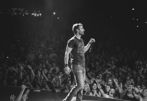DIERKS BENTLEY ANNOUNCES 2ND LEG OF 2014 RISER TOUR AMID CAPACITY AMPHITHEATER CROWDS AND GLOWING REVIEWS  Randy Houser, Eric Paslay And Rising Canadian Artist Tim Hicks Join Select Dates On The North American Run