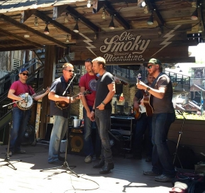 Dierks Bentley Visits Ole Smoky Moonshine Distillery